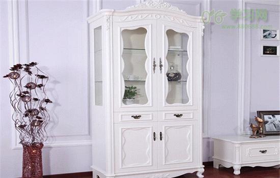 单门欧式酒柜采用欧式简约风格的设计