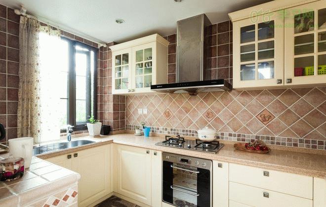 39款5平厨房装修效果图